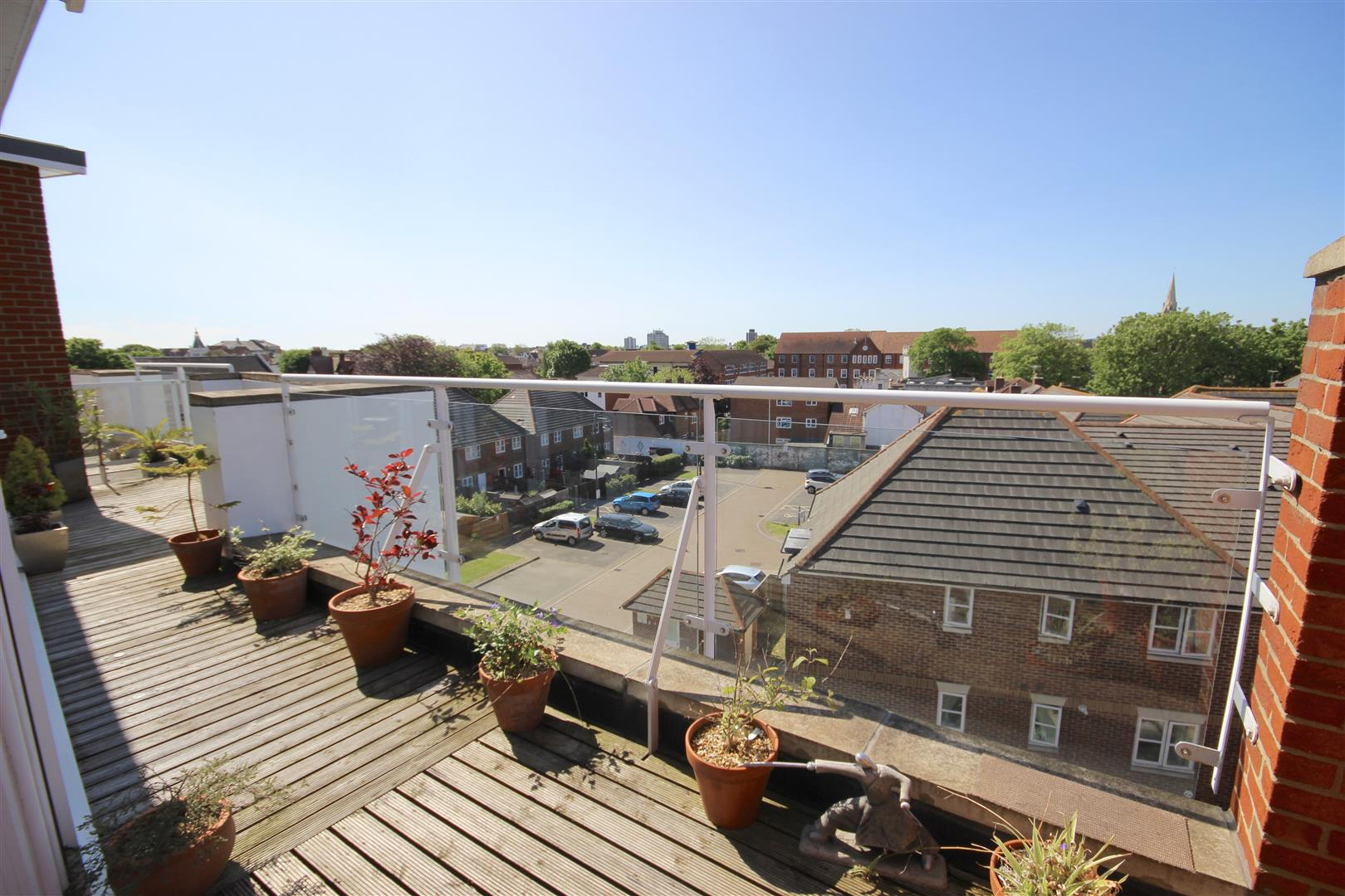2 Bedrooms Penthouse Flat for sale in Elm Grove, SOUTHSEA, Portsmouth, Hampshire
